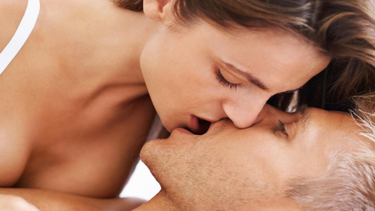 types of kisses - single lip kiss